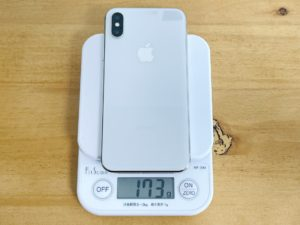 iPhone X:173g